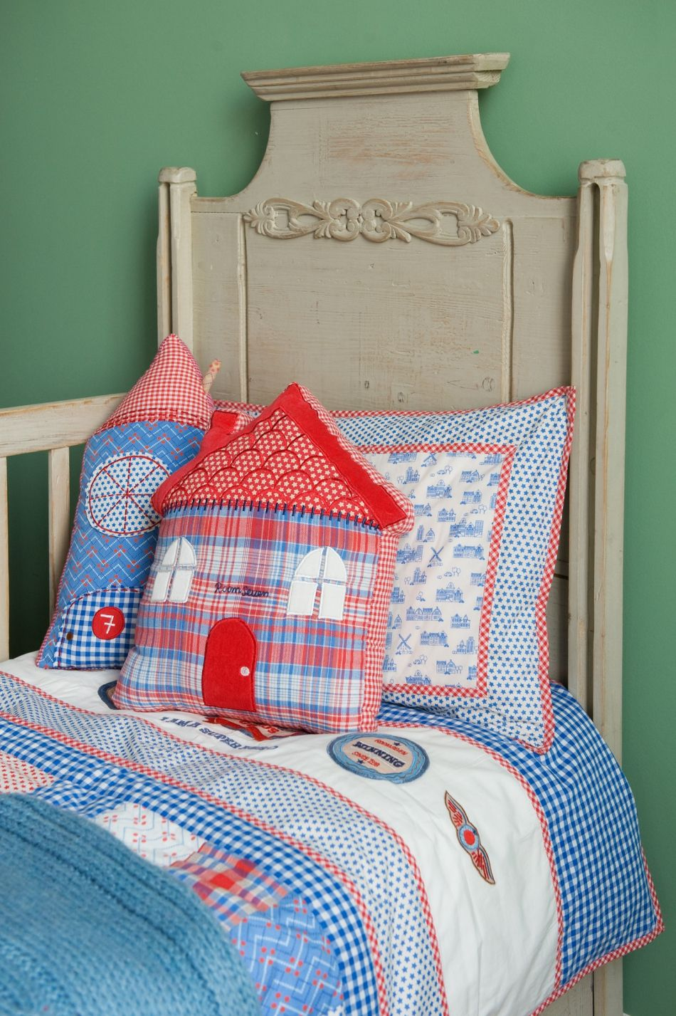 Room Seven Kussens.Room Seven Bedding From Holland With Love Patchwork Quilt