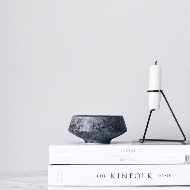 Studiogabrielleuk Kinfolkmag And Cerealmag Are Our Favourite Magazines To Style With Kinfolk Released Their Own Books Entitl House Styles Front Room Decor