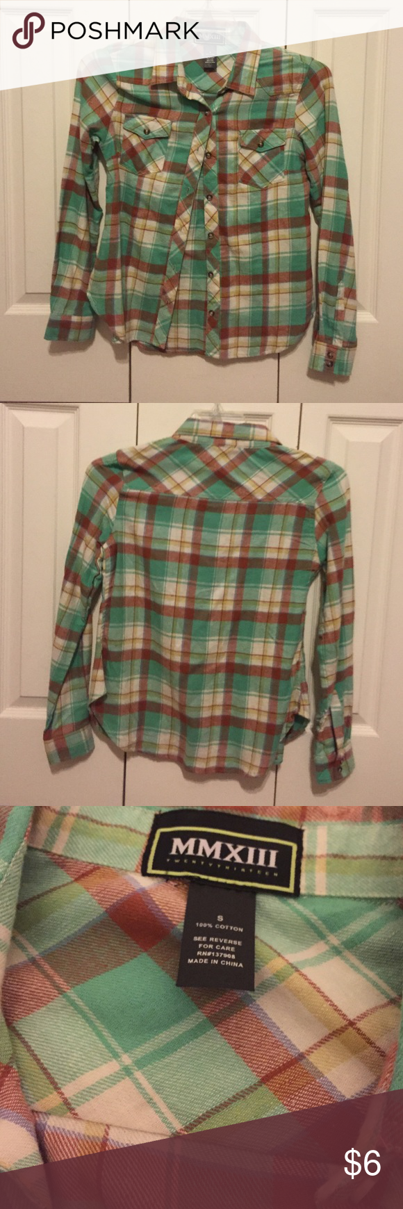 Flannel Long Sleeve Top comfy and in good condition! size small! Two button pockets on front, 100% cotton. MMXIII Tops