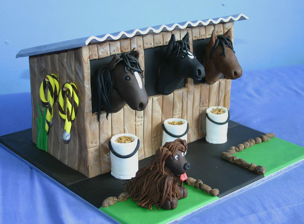 Dog and stables cake cake dogs stables