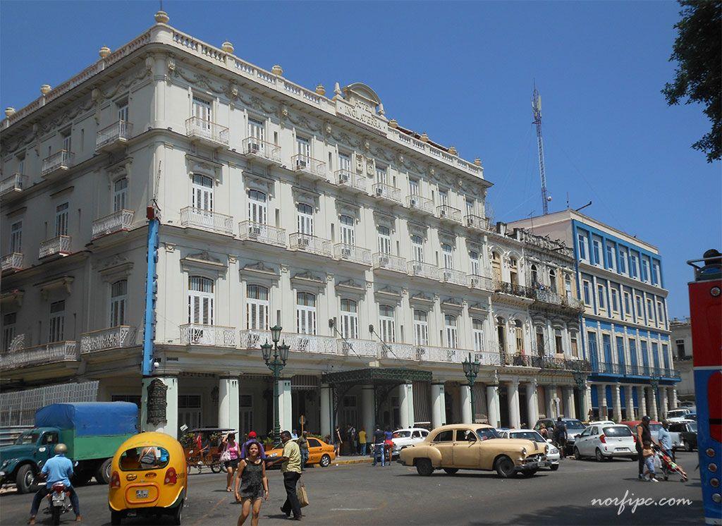 Hotel Inglaterra situado en el Paseo del Prado frente al Parque Central en la Habana Vieja