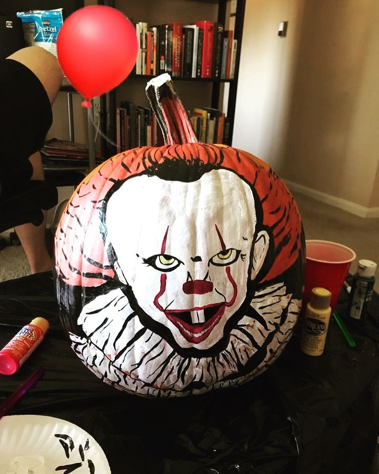 Pennywise Painted pumpkin It clown scary 2017 It in 2019
