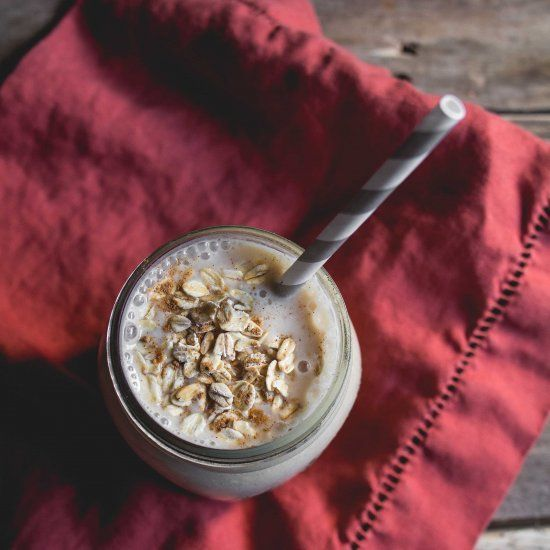 The flavors of fall in a healthy breakfast smoothie!
