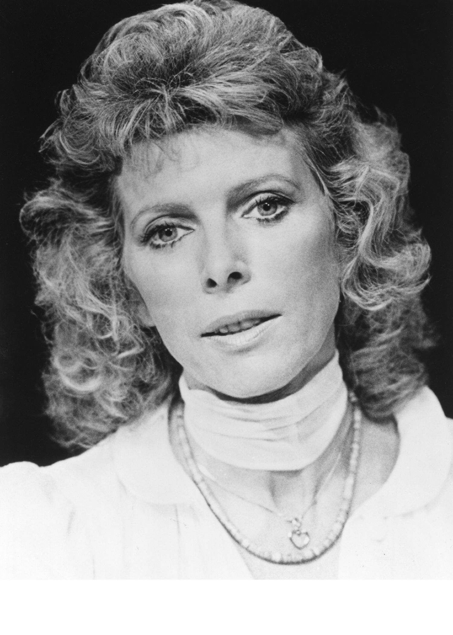 billie whitelaw the omen