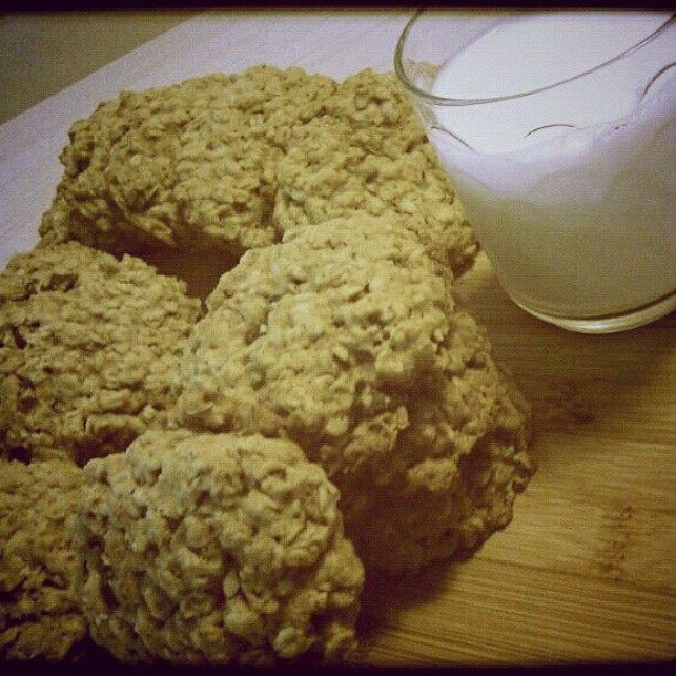 .@joplinroxxx | Peanut butter  oatmeal cookies #gf_cookies #foodartstyles_gf #gang_famil...