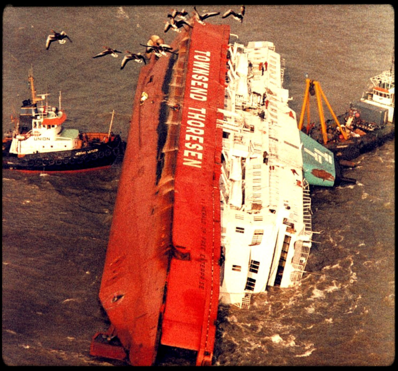 A British Ferry Leaving Zeebrugge Belgium Capsized Drowning 188 People On March 6 1987 Shockingly Poor Safety Proced Abandoned Ships Water Flood Shipwreck