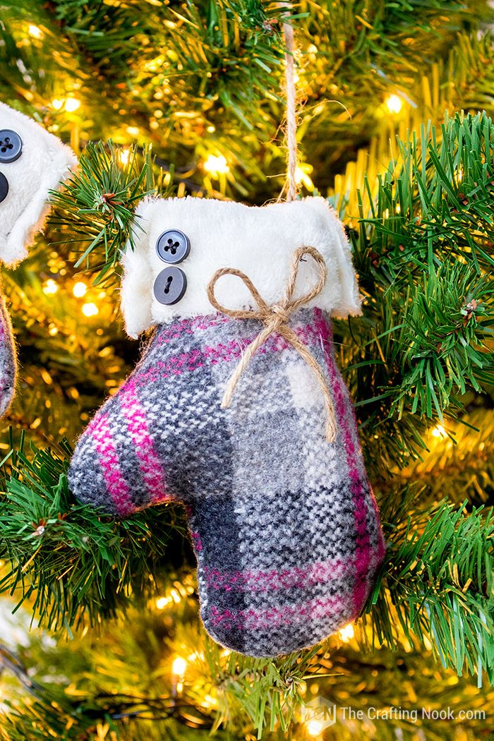 DIY Mittens Christmas Ornament (with video tutorial