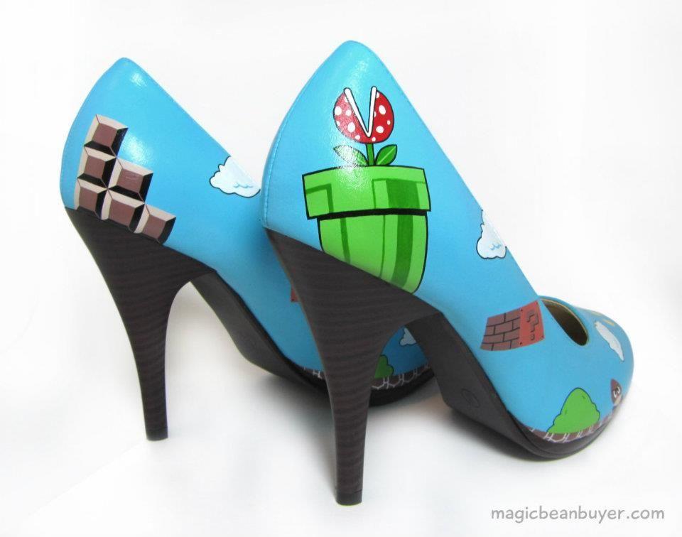 Si Te Gusta Estar A La Moda Y Además Eres Fan De Mario Bros No Deben Faltar Estos Lindos Zapatos En Tu Guardaropa Están Pintados A Mano Y Shoes Heels Fashion