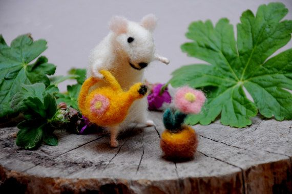 Felt mouse , Needle felt animal , Needle Felted Art Doll , Cute mouse gardener Unique gift !