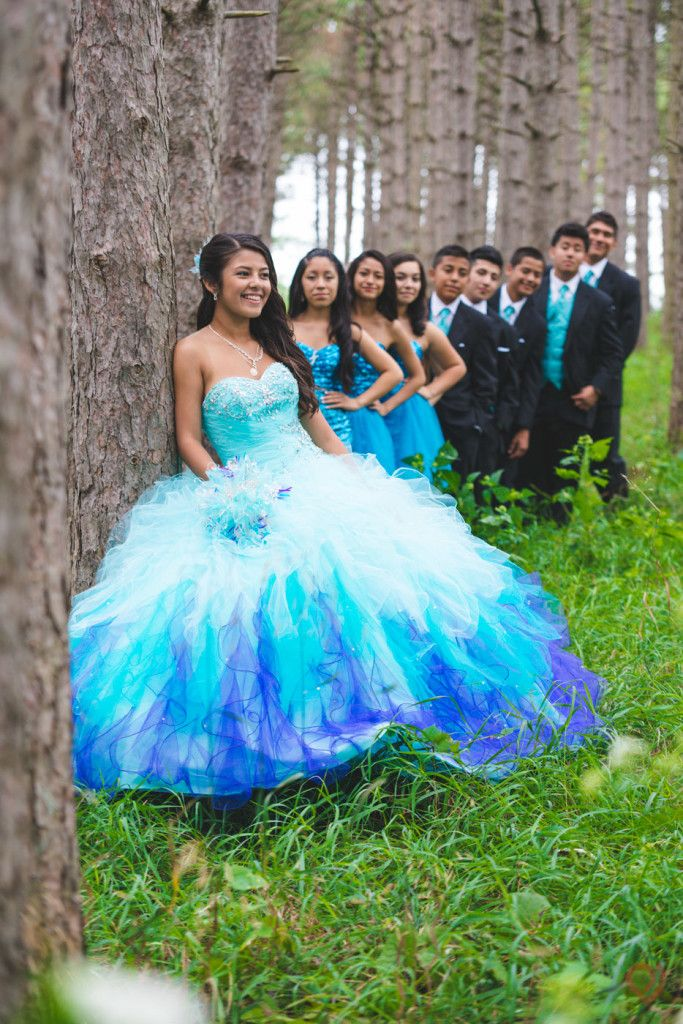 ab56f5f47aa Outdoor quinceanera photo with damas and chambelanes