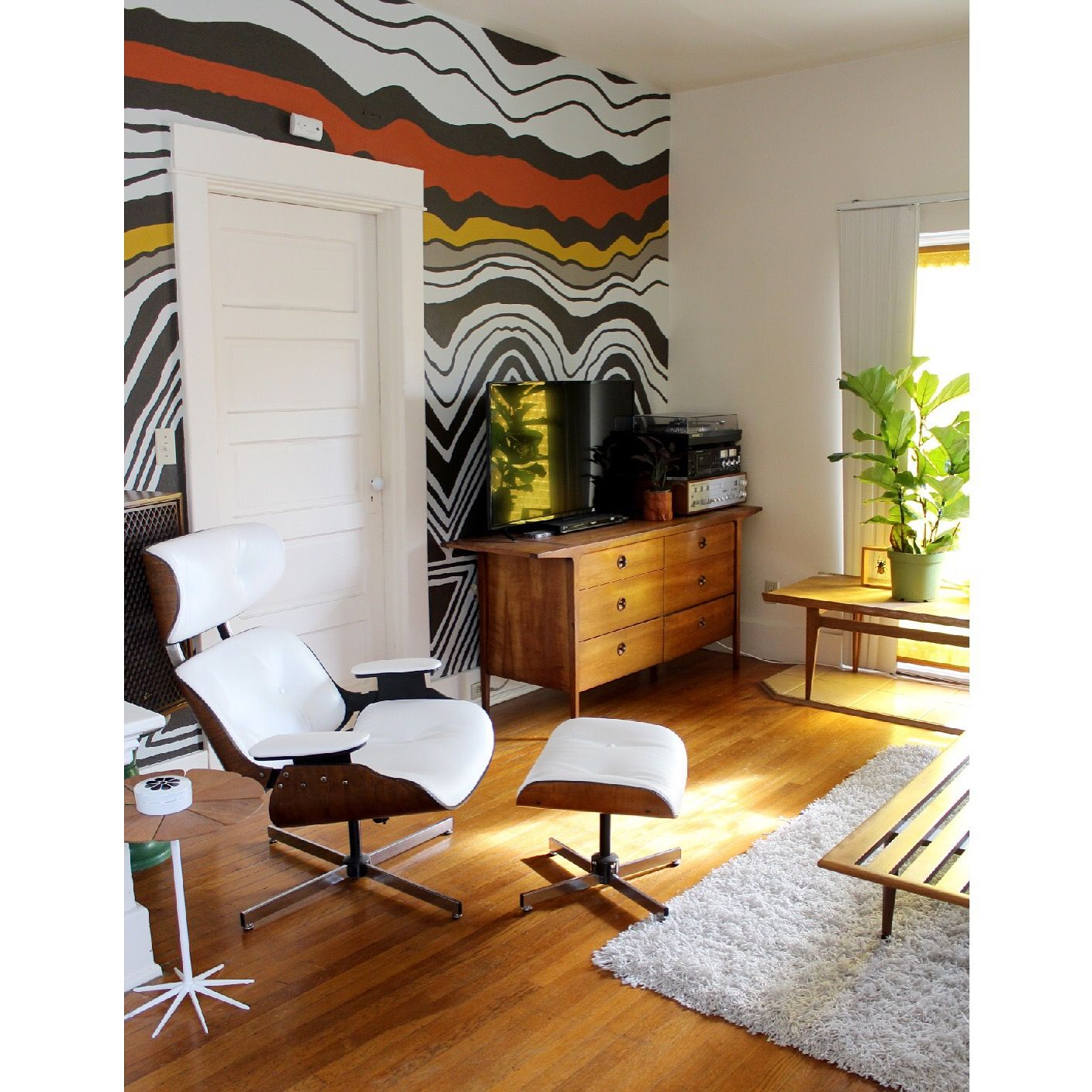 70s Inspired Super Graphic I Painted On My Living Room Wall 70s 70sdecor Midcentury Midcenturydecor Supe Striped Walls Interior Spaces Mid Century Decor