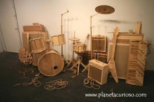 Instrumentos de madera --> Alguien con mucha creatividad ha diseñado estos instrumentos de madera, la pregunta es ¿funcionarán?. La verdad es que se ve muy curioso.