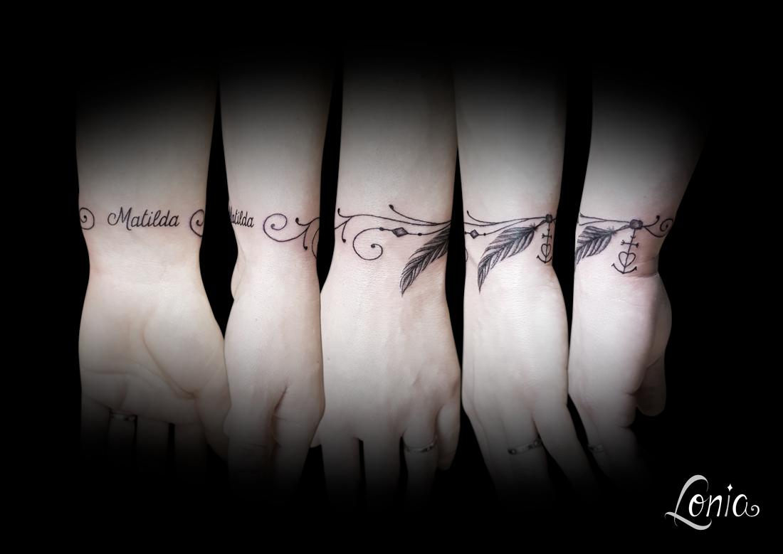 tatouage lonia tattoo troyes poignet bracelet pr nom plume. Black Bedroom Furniture Sets. Home Design Ideas