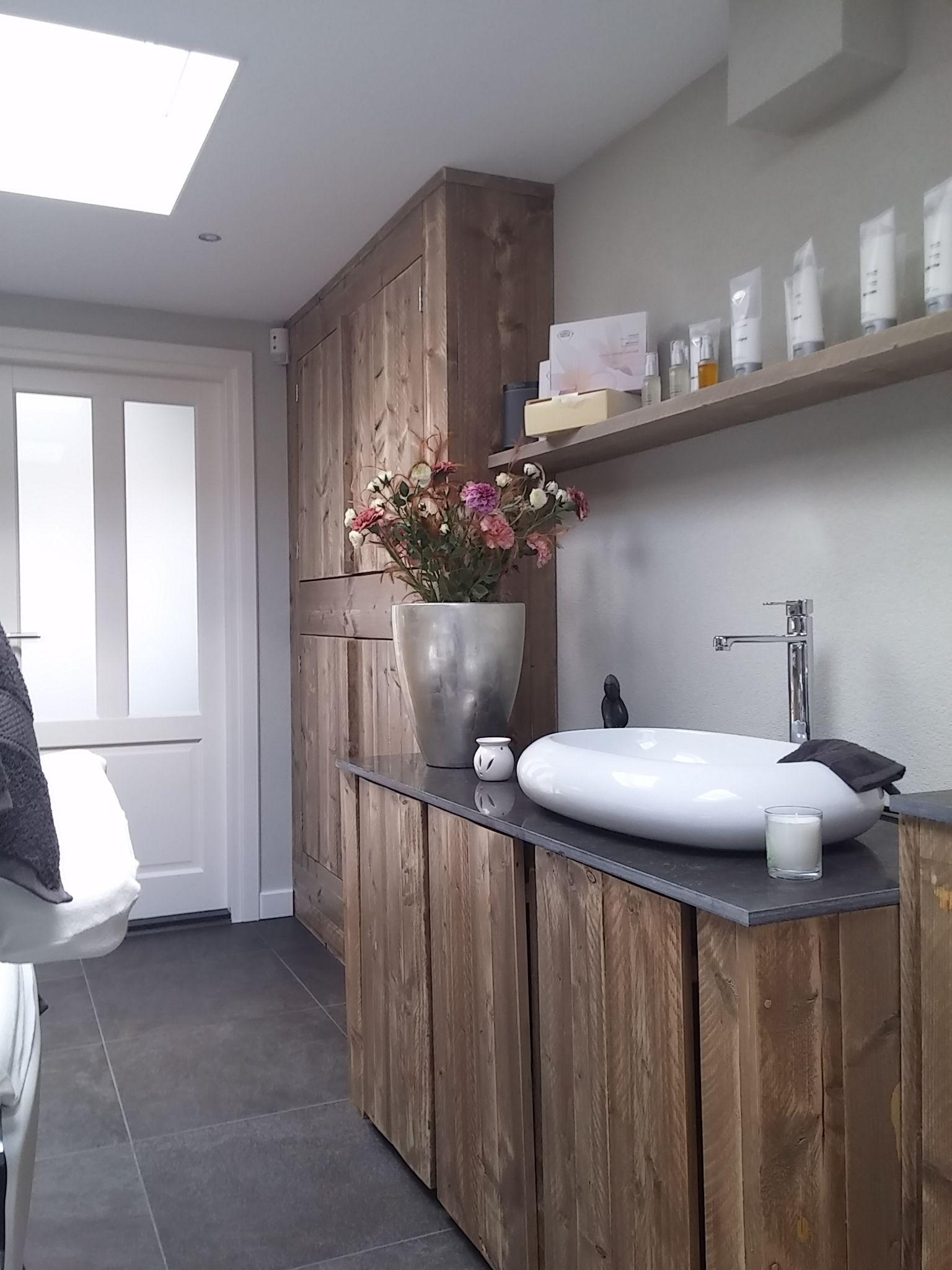 inrichting schoonheidssalon steigerhout - Google zoeken | spa ...