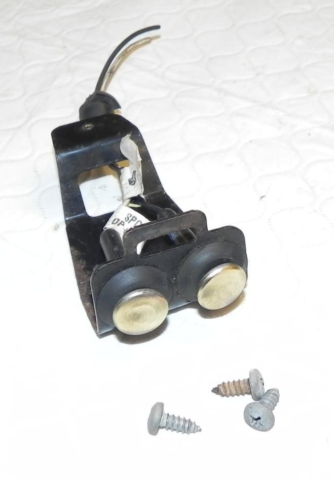 Jeep Wrangler TJ Third Brake Light Tailgate Contact Button 97-06