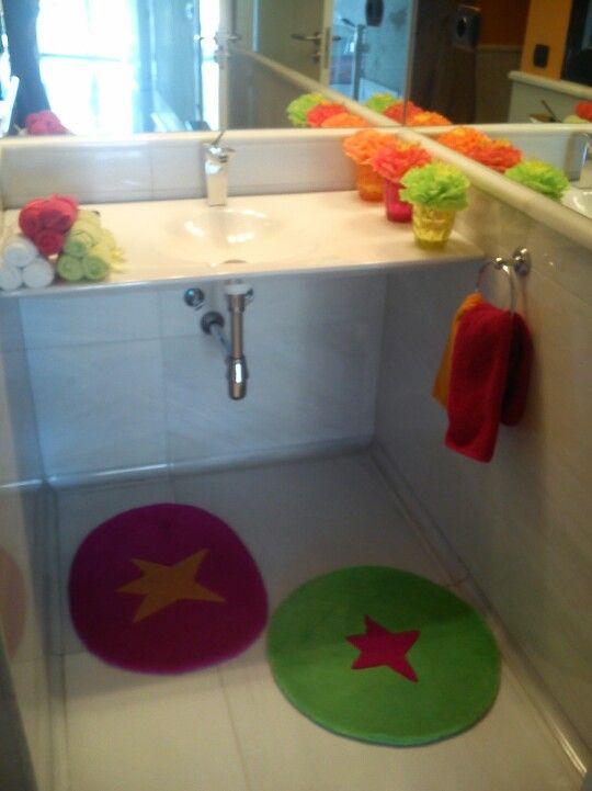 Cuarto de baño con colores flúor!! Cool. | Color fluor ...