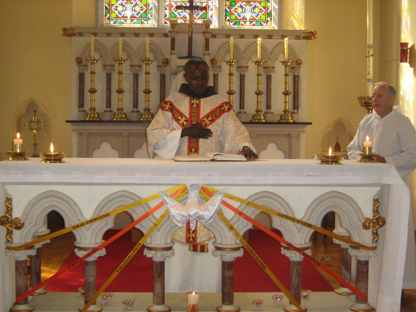 Altar decorations for pentecost our lady of mercy st for Altar decoration for first holy communion