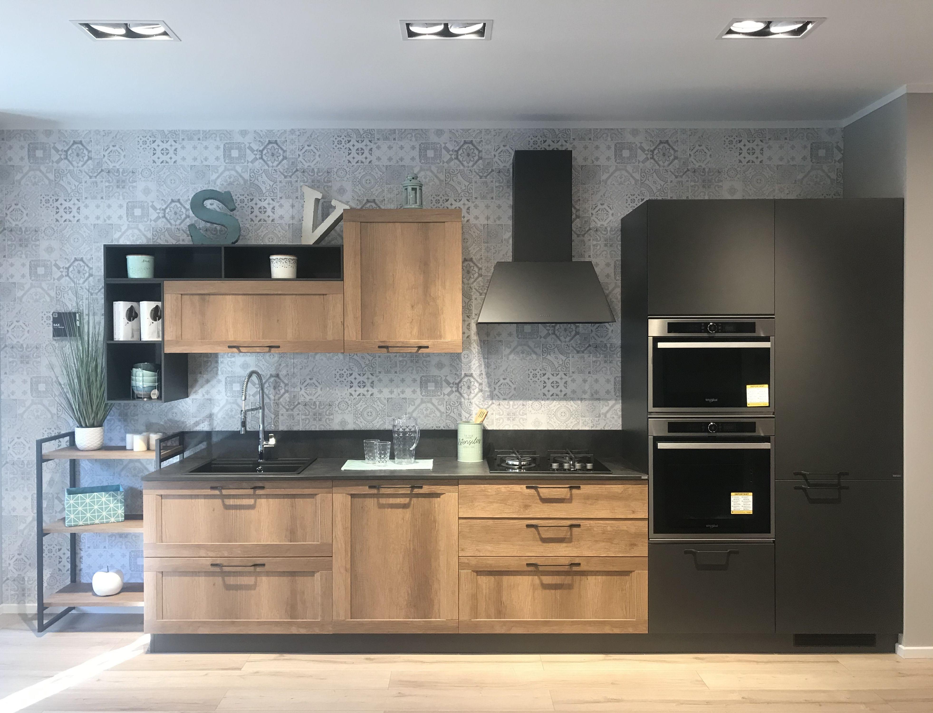 Scavolini Roma Nel 2020 Design Cucine Lavandino Da Cucina Arredo Interni Cucina
