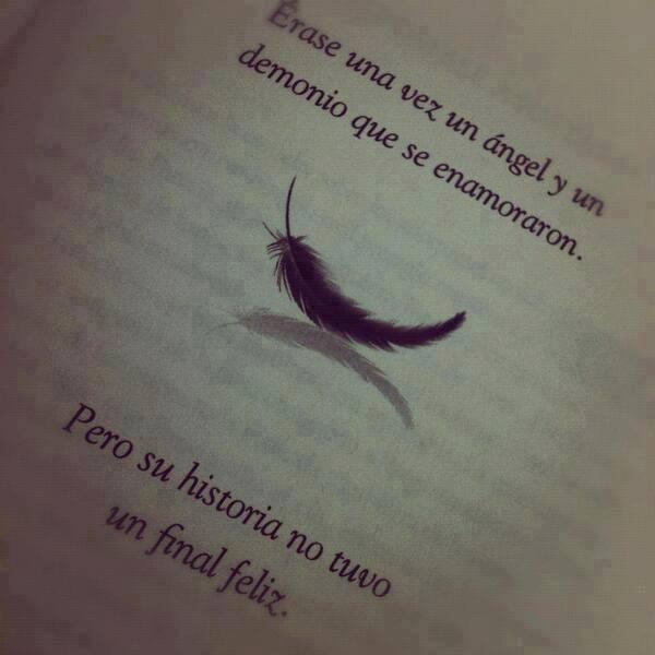 """""""Hija de Humo y Hueso"""". Laini Taylor"""