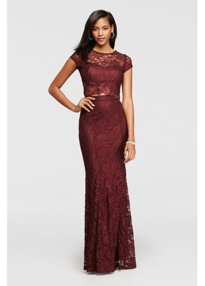 Cap sleeve lace dress with zipper in the back