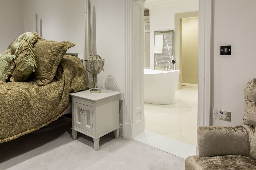 Classical French Bedroom Suite From Herrington Gate