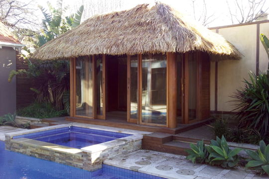 The African Thatch Balinese Hut Is Made From Cape Reed Tiles Its Roof Tiling Look Means That It Blends Easily Into Most Ex Bali Huts Gazebo Outdoor Structures