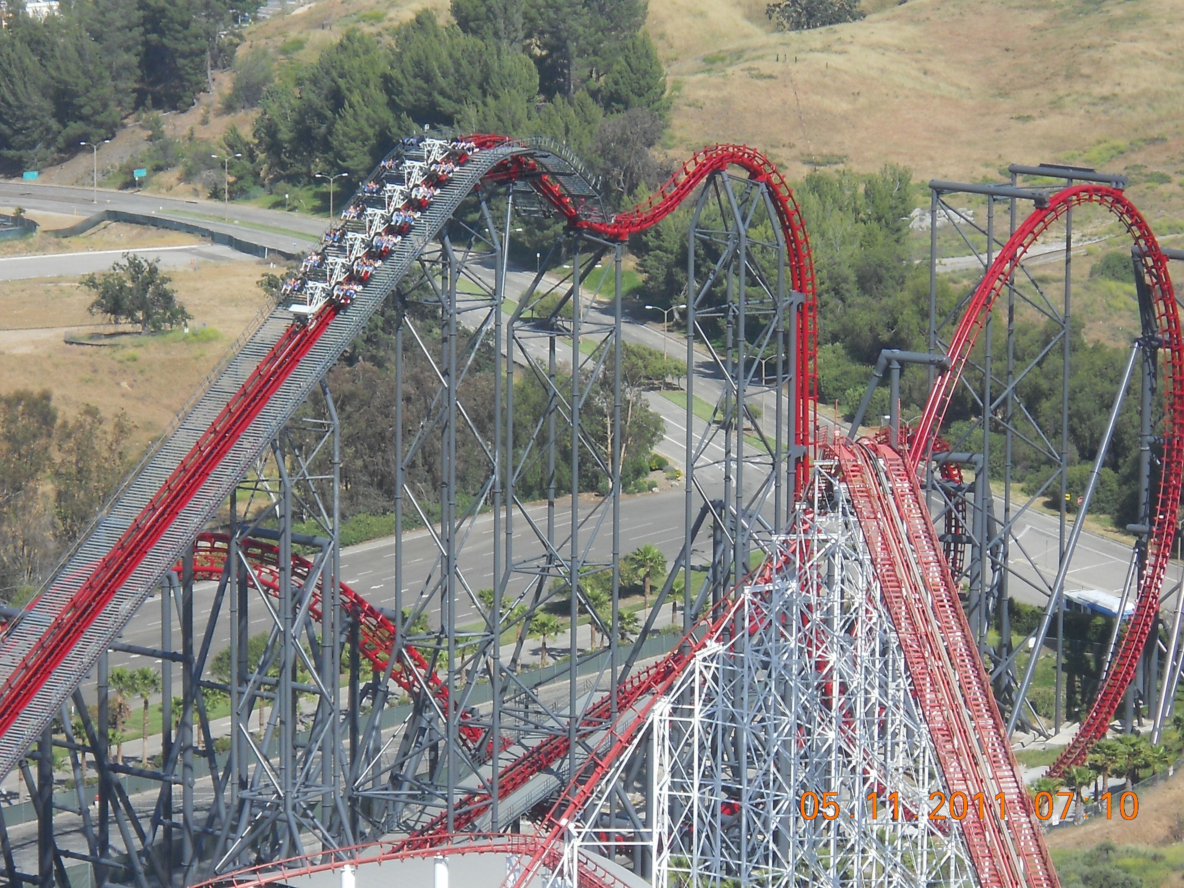 X2 Six Flags Magic Mountain Valencia Ca Multi Looping Winged Coaster With Freely Rotating Seats Amusement Park Rides Roller Coaster Thrill Ride