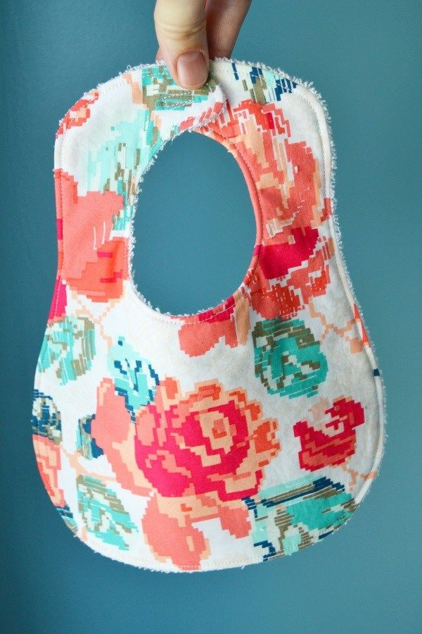 Free Pattern Bigger Better Bib For Baby Craftgossip Pinterest