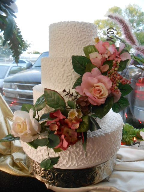 WEDDING CAKE 3 LAYERS PINK ROSES | Quinceanera cakes, Pink ...