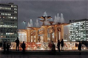 Berlin Mitte Alexanderplatz Brunnen Der Voelkerfreunschaft Seit 1971 East Berlin Berlin Germany
