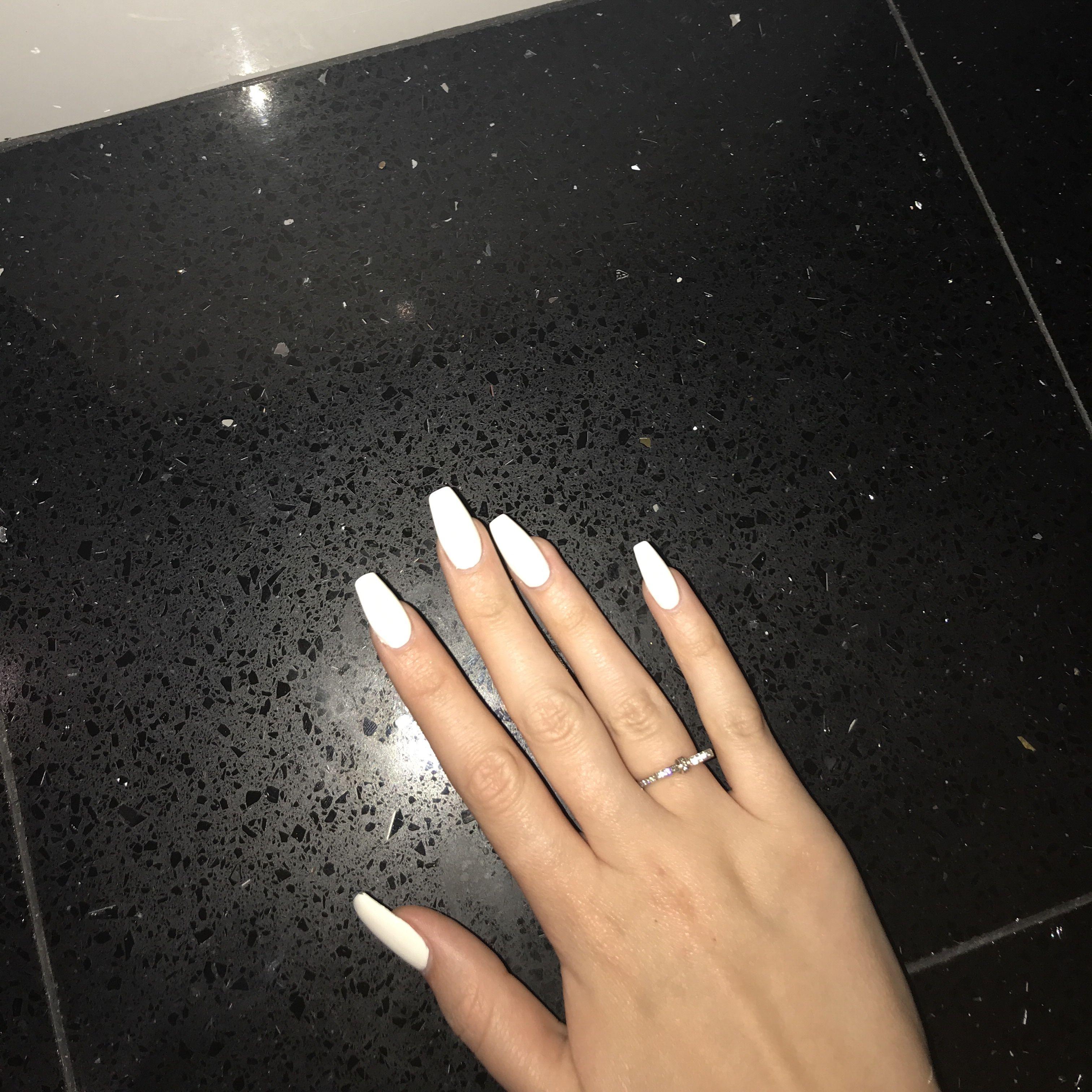 Long White Coffin Nails Claws White Acrylic Nails Nail Shapes Cute Nails