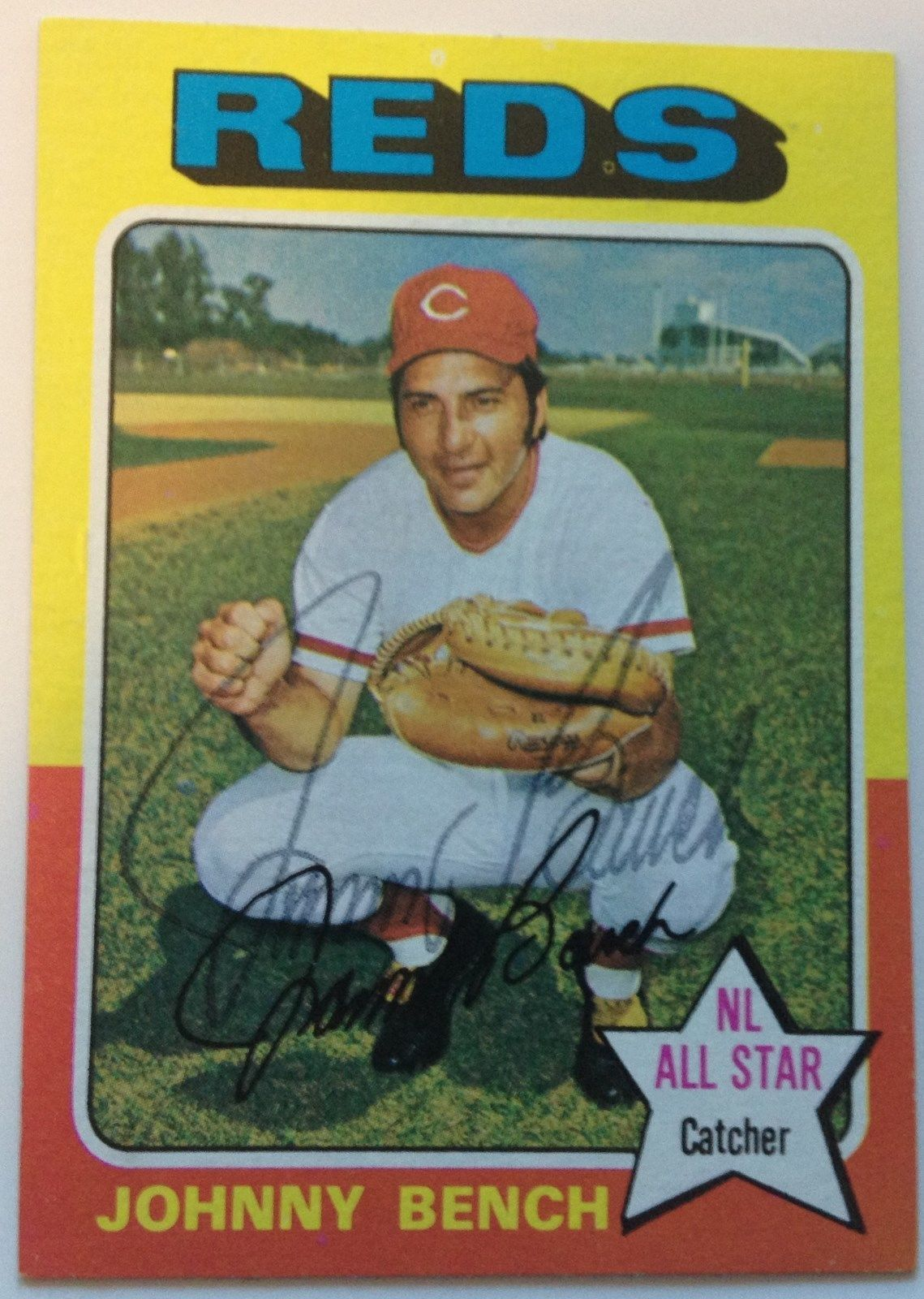 Johnny Bench Hand Autographed Baseball Card 1975 Topps