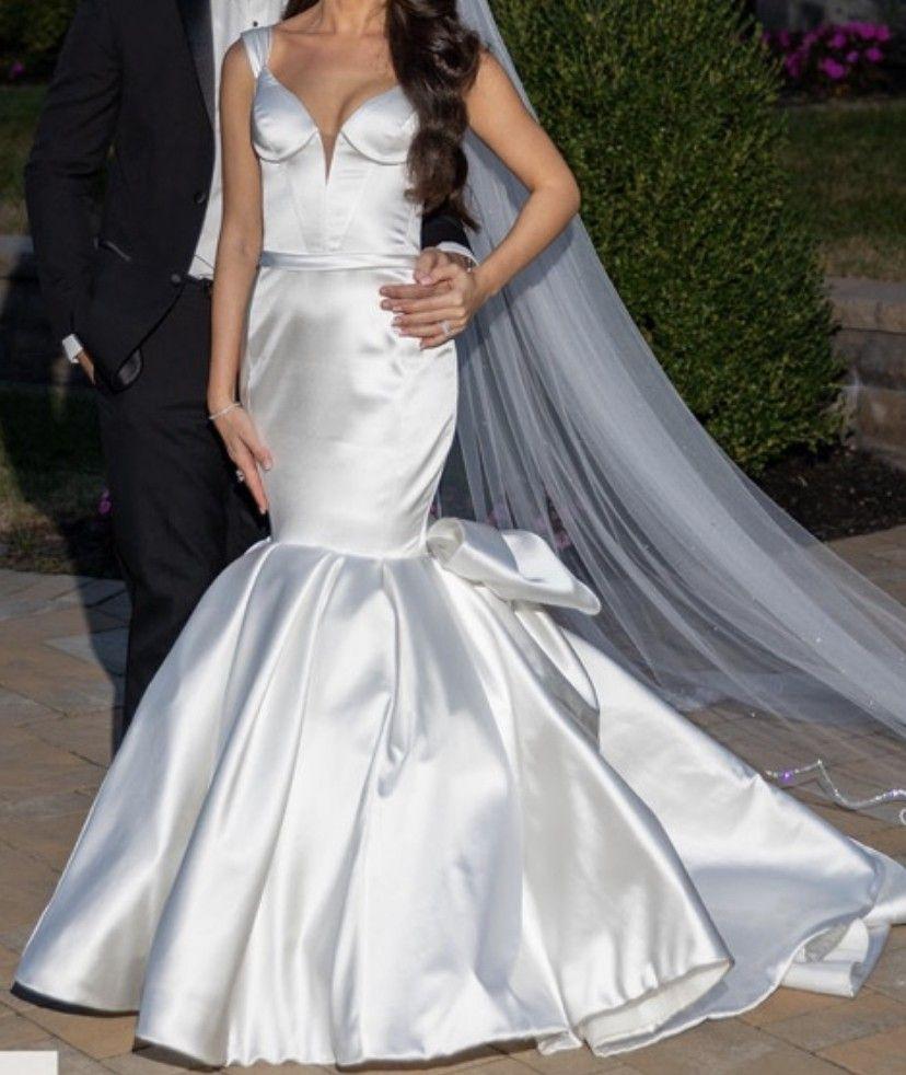 Pnina Tornai 4789 Used Wedding Dress Save 36 Pnina Tornai Wedding Dress Pnina Tornai Dresses Used Wedding Dresses [ 982 x 828 Pixel ]