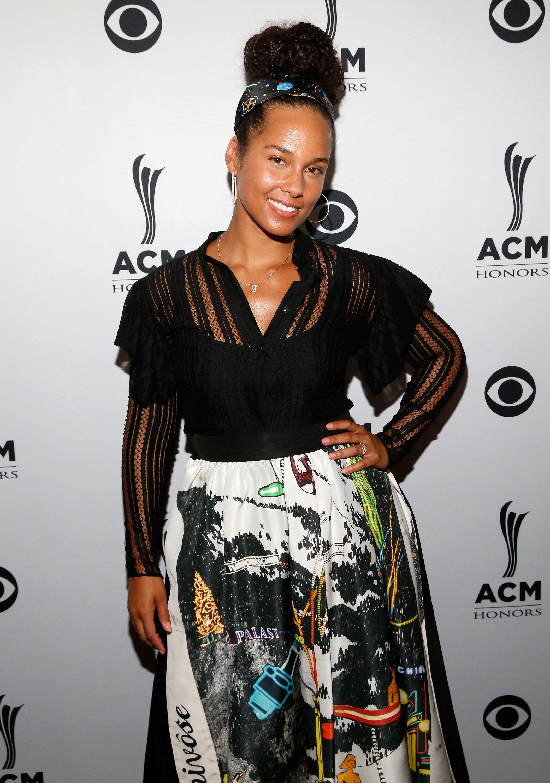 Alicia Keys Responds To Critics Of Her No Makeup Movement No Makeup Movement Alicia Keys Black Women