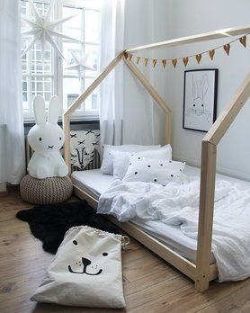 ein wunderschones haus bett kinderzimmer die schonsten. Black Bedroom Furniture Sets. Home Design Ideas