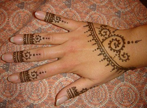 Simple Wrist Mehndi : Dsc spiral hennas and mehndi