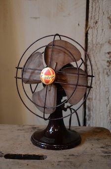 petit ventilateur calor des ann es 1950 industrial dickens style pinterest vintage fans. Black Bedroom Furniture Sets. Home Design Ideas