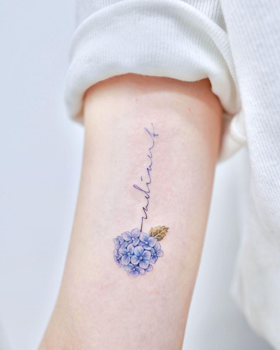 Gefallt 1 061 Mal 22 Kommentare Studiobysol Nemo Nemo Tattoo Auf Instagram Hydrangea And Lettering Radi Tattoos Tattoos For Women Tattoos For Daughters