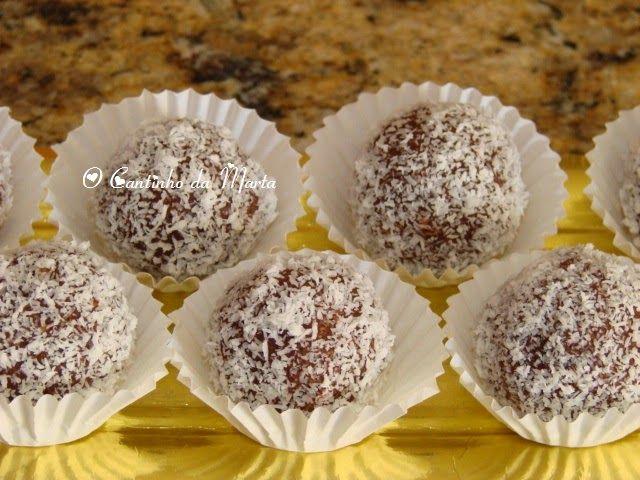 O Cantinho da Marta: Bolinhas de Bolacha e Chocolate Enroladas em Coco