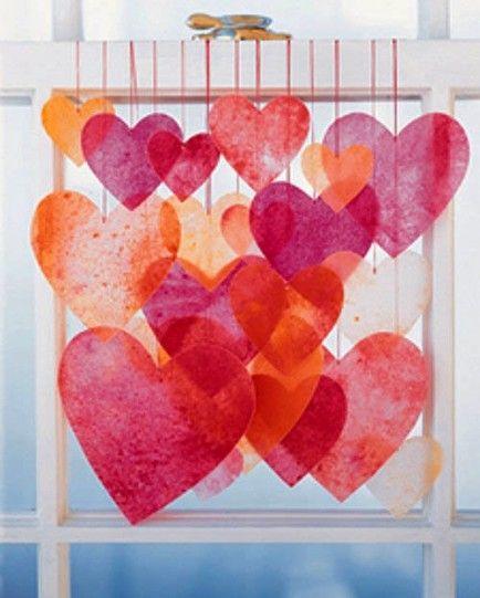 DIY Dekoration für den Valentinstag, Herzen am Fenster, rot und orange >> DIY Valentine's Day Decor