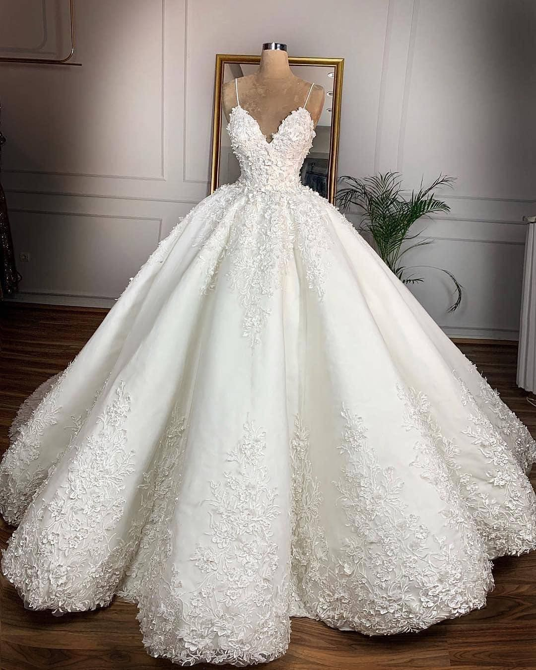 Which 1 10 Best Inspiration Page For Dresses Dresses U P Credi Online Wedding Dress Wedding Dresses Lace Bridal Ball Gown