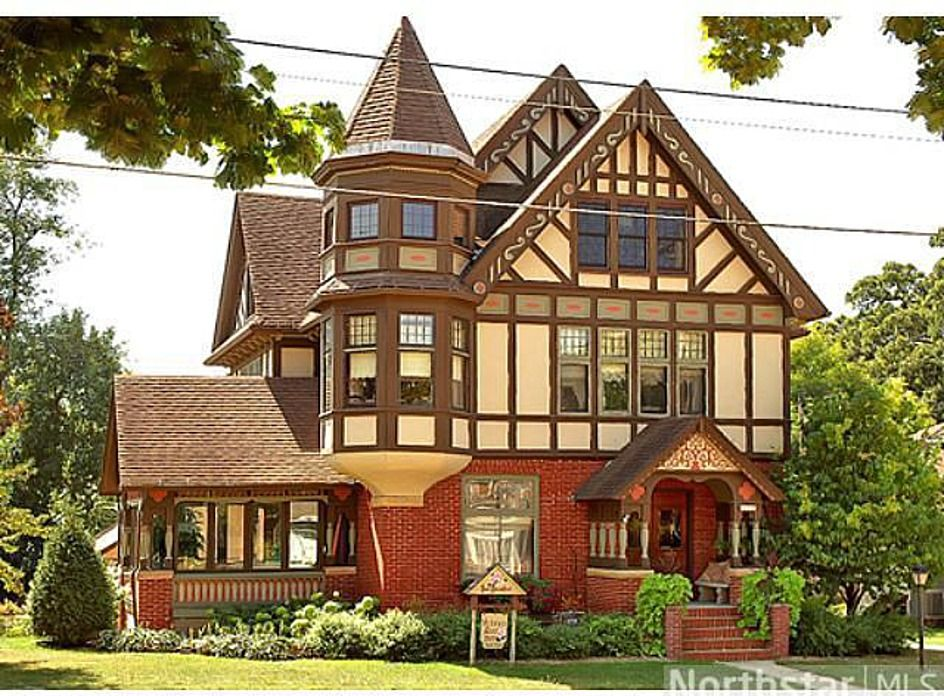 Albert Lea Home For Sale Victorian Homes House Old Houses