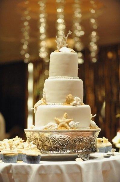 A beach wedding cake that is oh so sweet! {Costa d'Este Beach Resort}