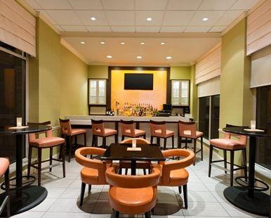 hilton garden inn atlanta northpoint hotel alpharetta ga pavilion lounge - Hilton Garden Inn Alpharetta