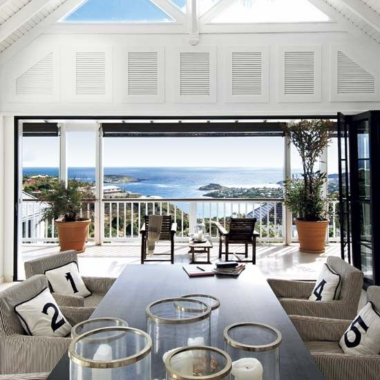 Beach house St. Barths beautiful dining room view