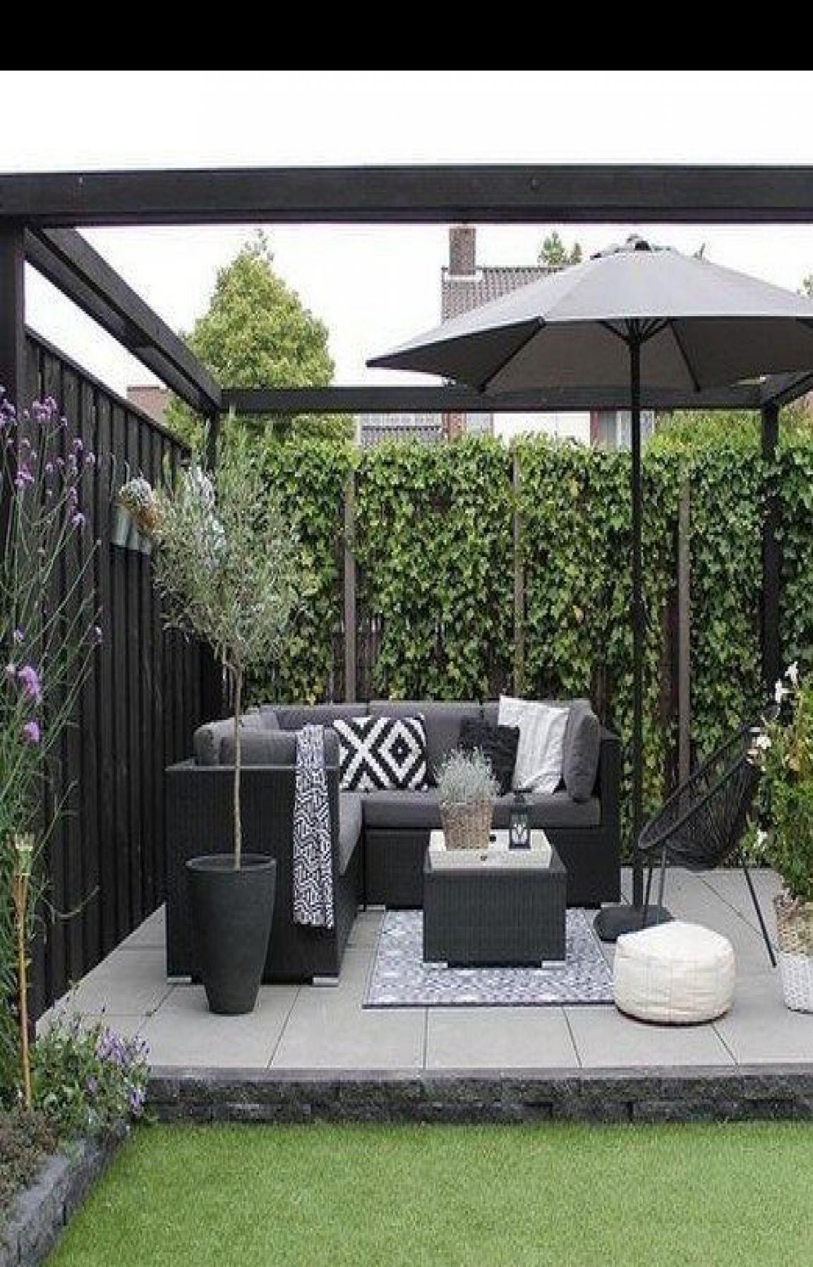 L Shaped Small Garden Ideas