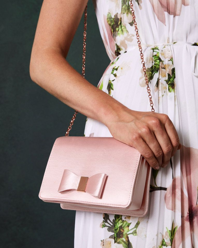 5367cfd9c6a7 Looped bow evening bag - Light Pink