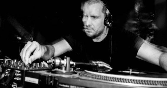 Matt Heize providing a fair dose of beats