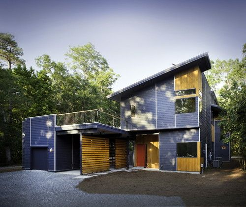 Modern House Red Roof: Modern Exterior By B + O Design Studio, Pllc