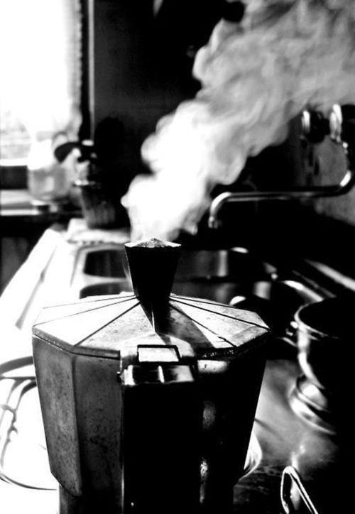 INDIVISIBILI Amici caffettiamo..da soli il caffè..non ha sapore.. Buongiorno amici di Tumblr..ღ